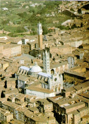 Siena_Duomo_and_City_Hall_aerial_view