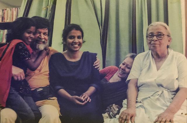 Mahasweta Devi, with (from left to right) Chompaboti, Shahidul Alam, Taslima Akhter and Rahnuma Ahmed, at our home in Dhanmondi, Dhaka. January 2009. ? Munira Morshed Munni