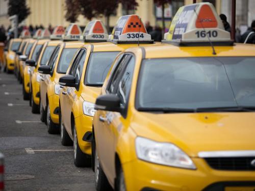 Правомерно ли решение в некоторых муниципалитетах ввести единый цвет машин такси?