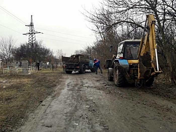 На неделю ограничат въезд личного автотранспорта на шахтинские кладбища