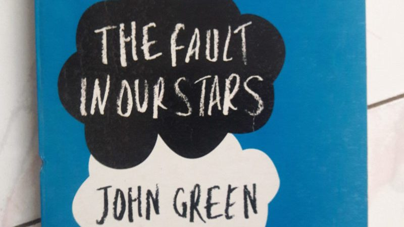 The-fault-in-our-stars-john-green-book-made-inot-movie-guestblogging-bookreview-contest-books-BYOB-bookclub-bookshelf