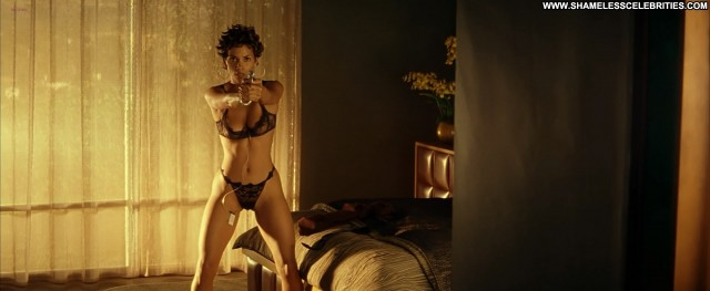 Halle Berry Swordfish Stunning Athletic Slender Topless Doll