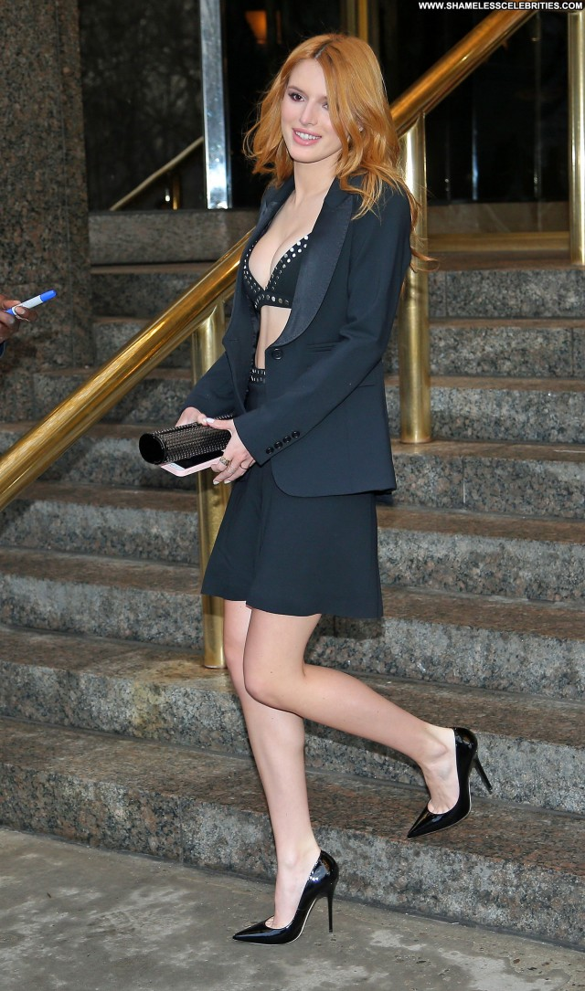 Bella Thorne Out And About In Nyc March 26 Posing Hot