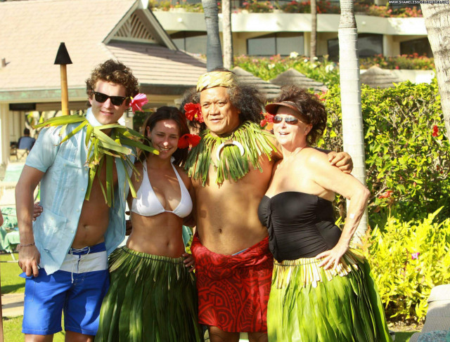 Jennifer Love Hewitt Vacation Celebrity Beautiful Posing Hot High