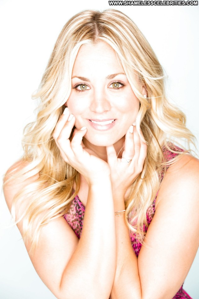 Kaley Cuoco Pictures Blonde Celebrity