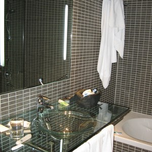 fancy bathroom black tile wall