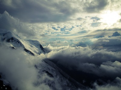 Clouds from Refuges des Cosmiques
