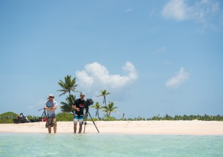 SEARCH Islands Tuamotu (c) John Stapels