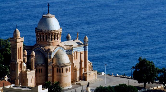 Shamstours  Sites touristiques  Notre Dame dAfrique