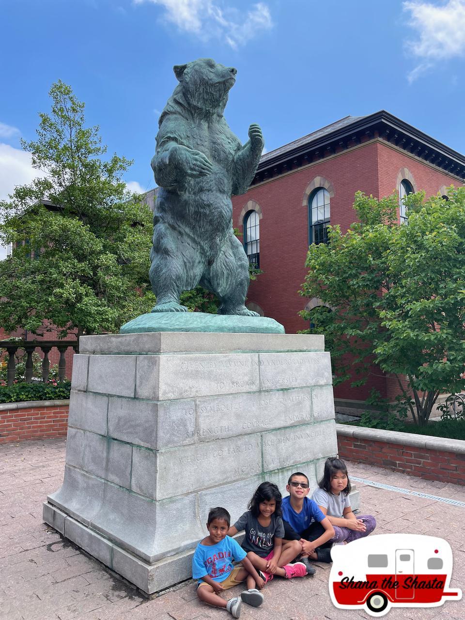 Big-Bruno-the-Bear-Sculpture