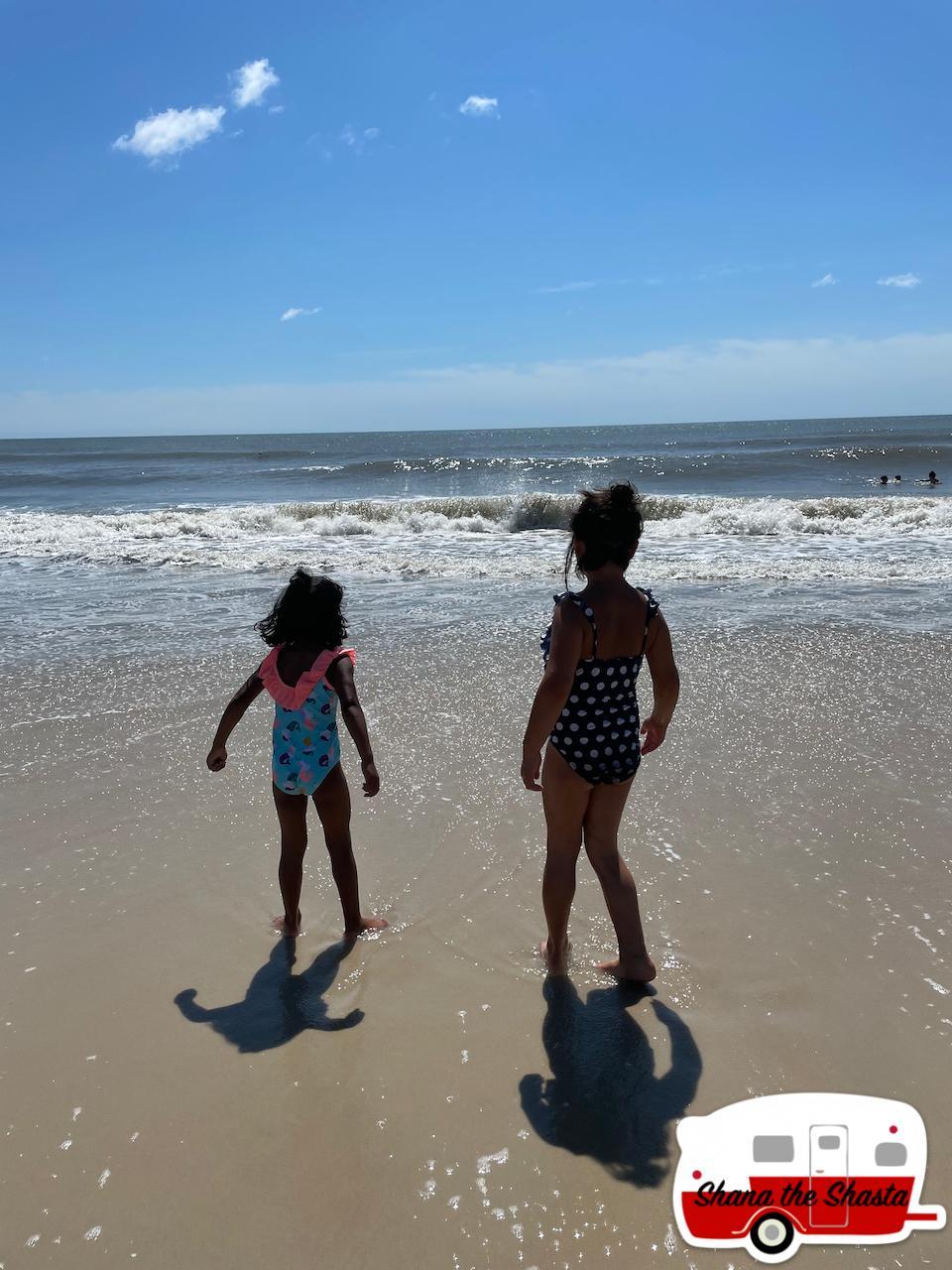 Girls-at-Maryland-Beach