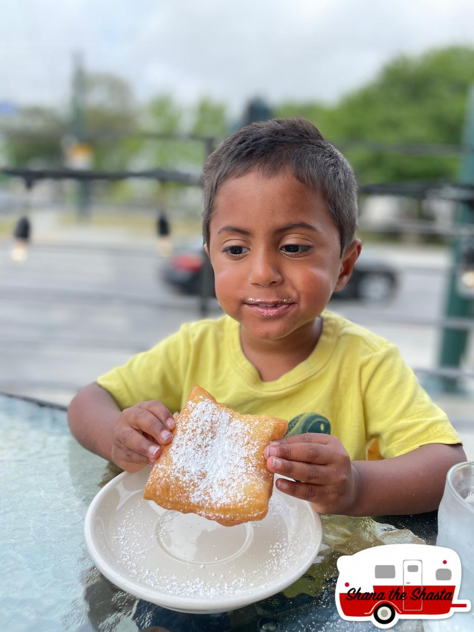 Morning-Call-Beignet-in-New-Orleans
