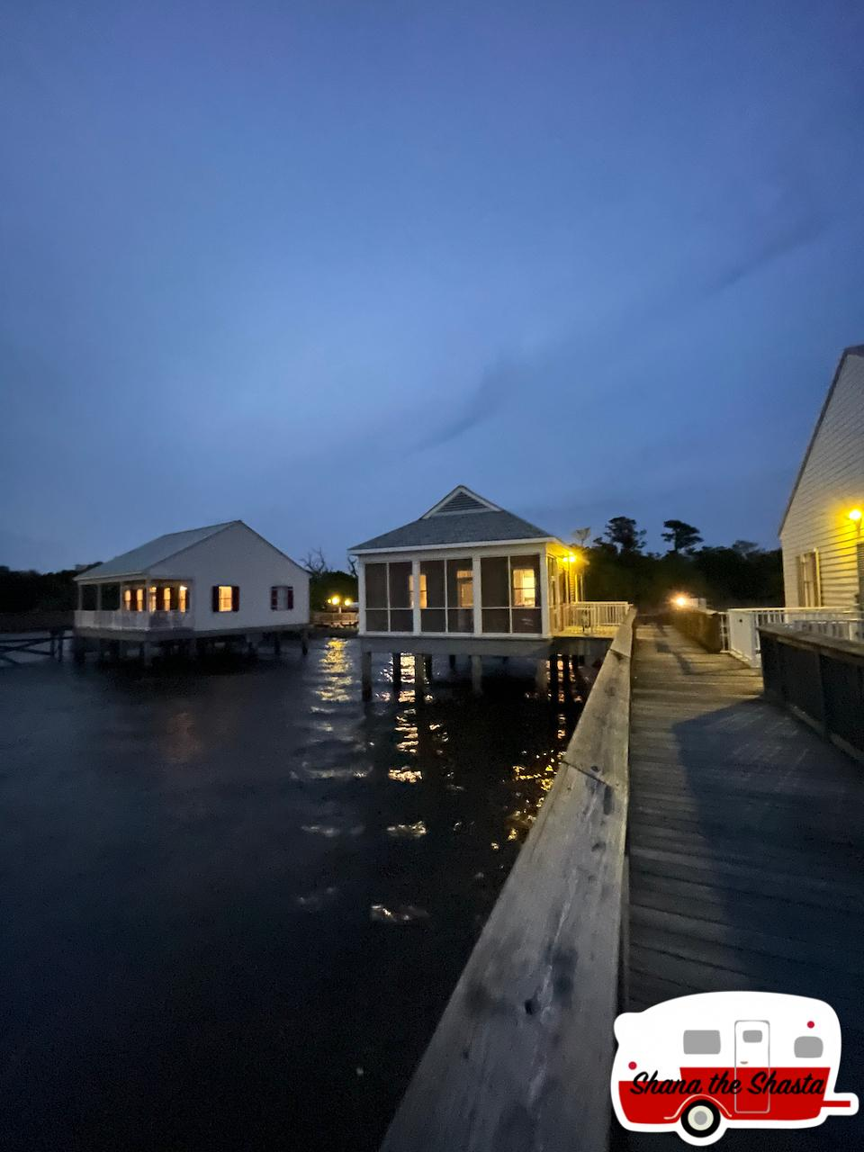 Overwater-Cabin-11-at-Fontainebleau