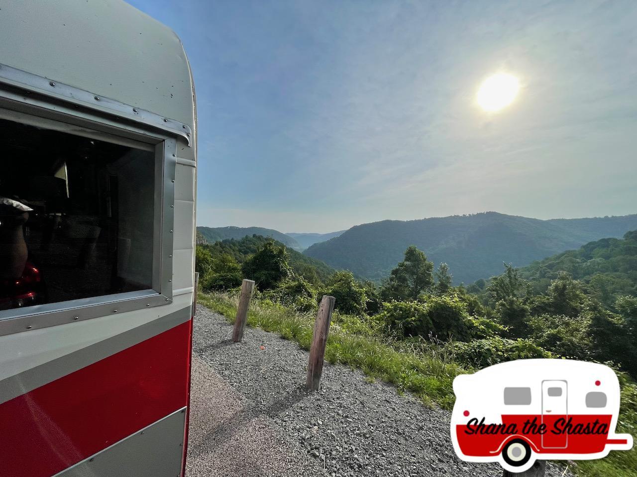 Vintage-Camper-West-Virginia-Overlook