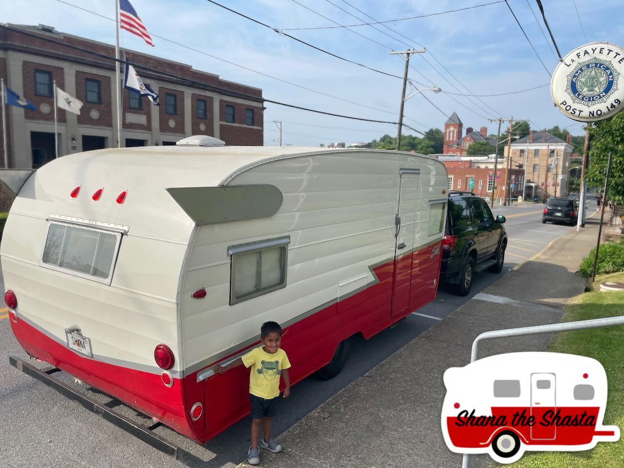 Vintage-Camper-in-Fayetteville-West-Virginia