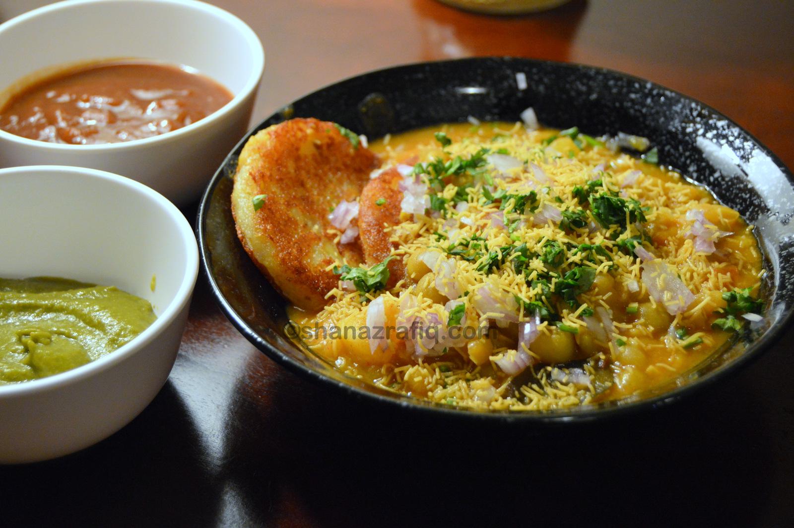 Ragda Pattice | Potato Cutlet & Pea Curry Chat