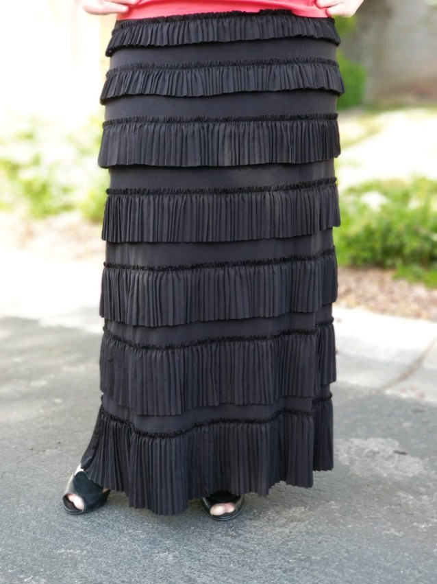 Pleated Eleganza Skirt ~ Black