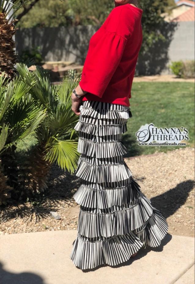 Pleated elegance skirt ~ Striped