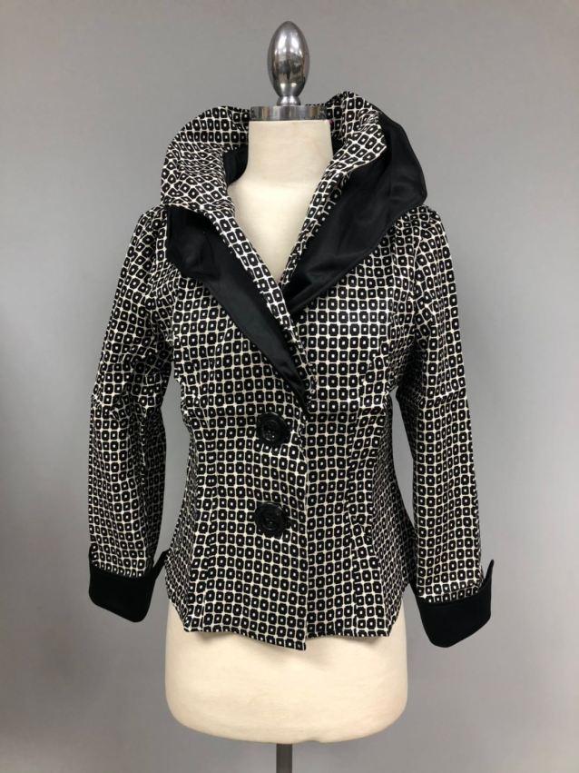 Black white Wired collar jacket