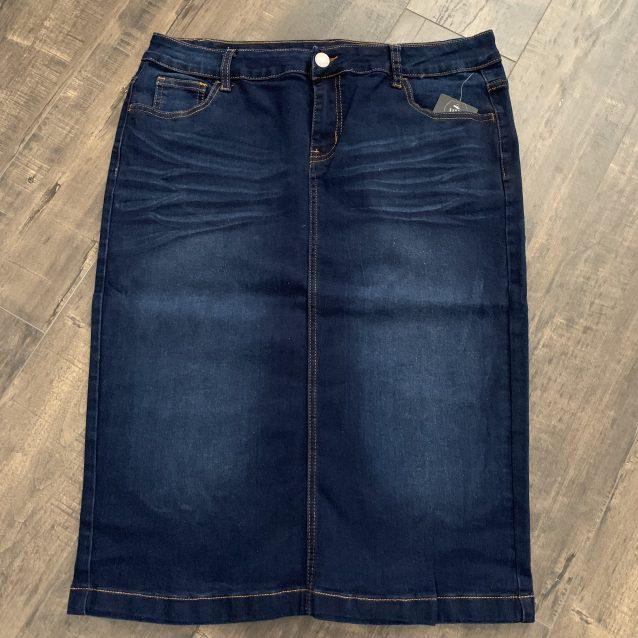 Plus size dark blue denim skirt
