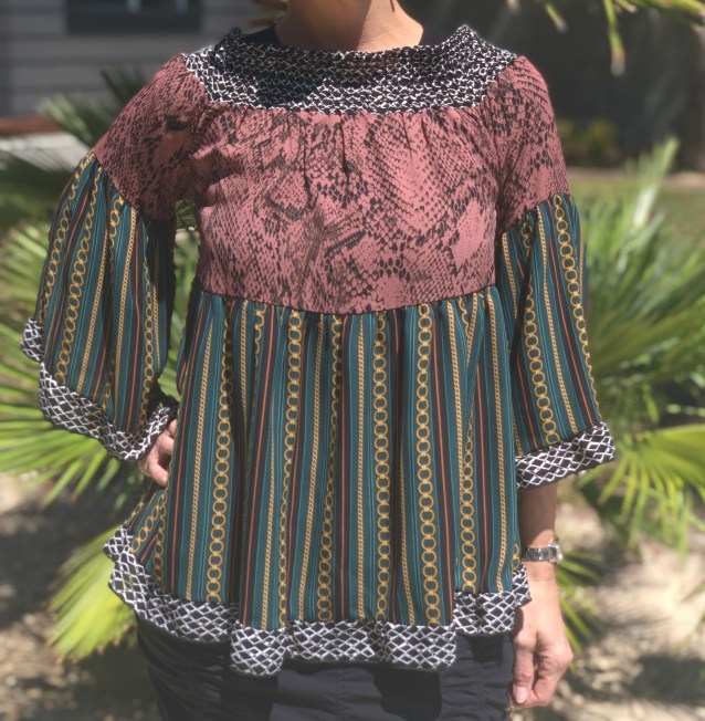 Chain ruffled bell sleeve blouse