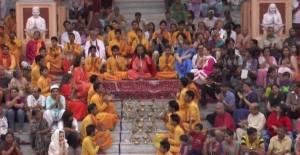 cerimonia-sul-gange-con-swami-chitananda