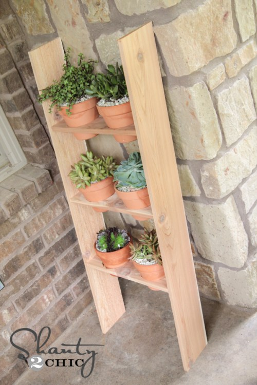 How to build a DIY Ladder Planter