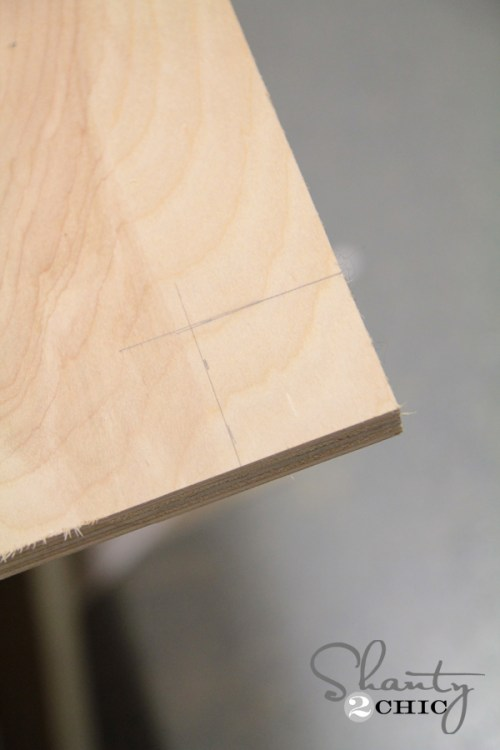 trace square on bench