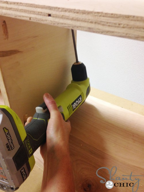 attaching-side-of-shelves