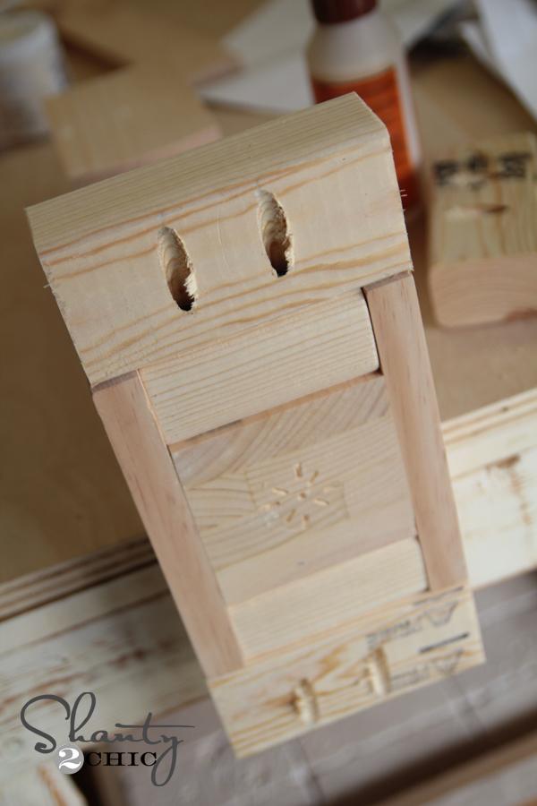 Base of bench leg pocket holes