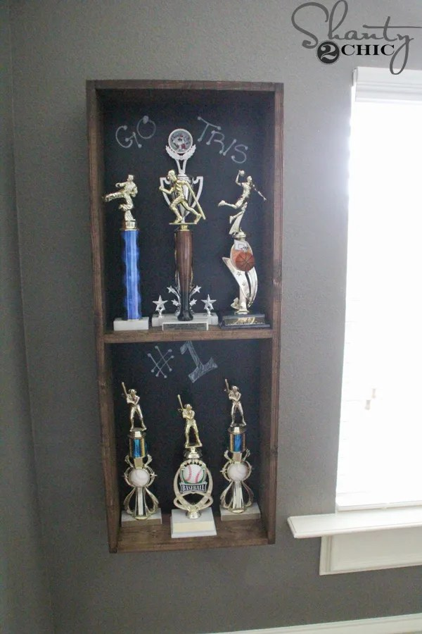 trophy-storage-diy
