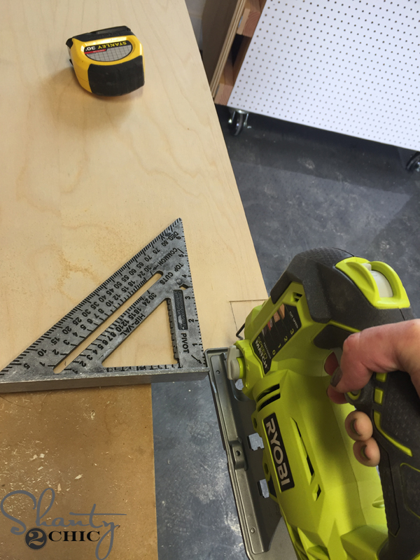 cut-corner-with-jig-saw