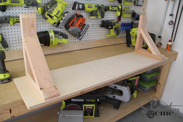 bottom-of-desk-with-corbels