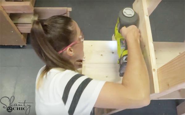 attach-shelves-to-rungs