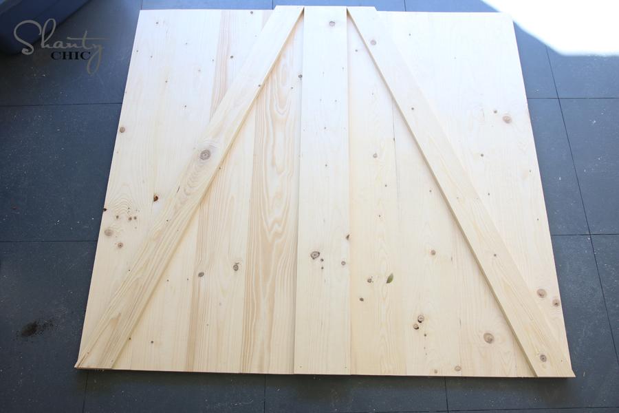 DIY Farmhouse Crib