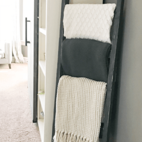 DIY-Blanket-Ladder