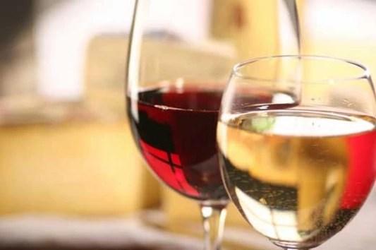 Το λευκό κρασί είναι πιο Light από το κόκκινο