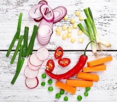 Ωμά λαχανικά.