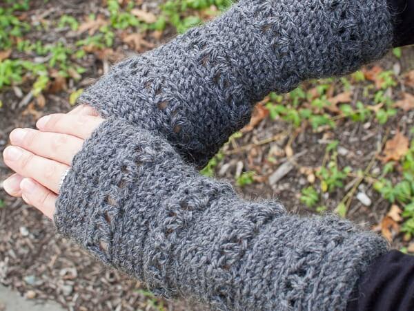V-Stitch Wristwarmer