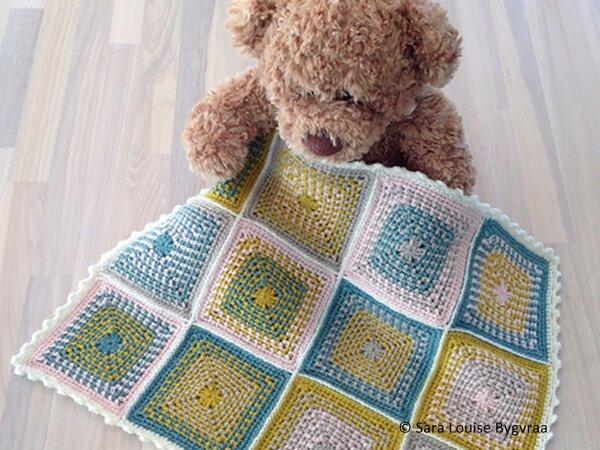 Moss Stitch Crochet Granny Square
