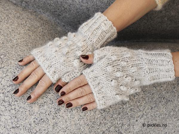 Fingerless Dotty Gloves