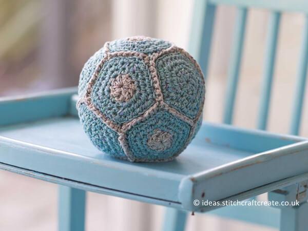 Rustling Crochet Baby Ball Pattern