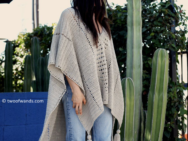 CROSS COUNTRY PONCHO