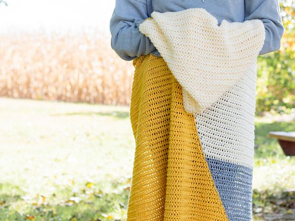 crochet Two Triangle Baby Blanket free pattern
