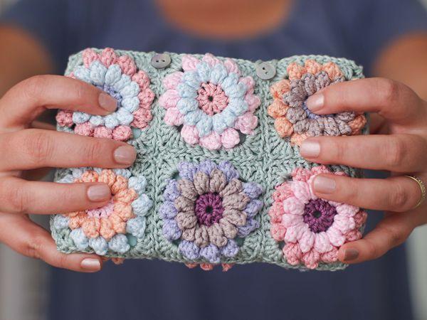 CROCHET Flower clutch bag free pattern