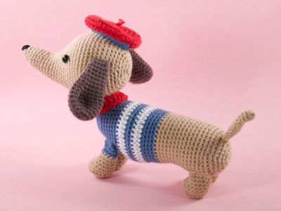 crochet Manu the Dachshund Sausage Dog easy pattern