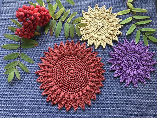 crochet Ellas Autumn Coaster free pattern