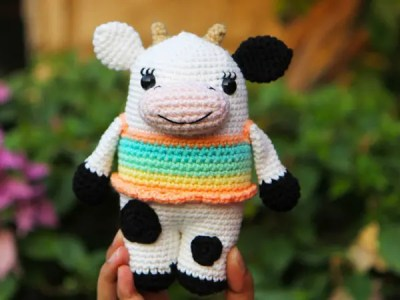 crochet Cleo the Cow free pattern