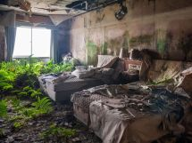 Story Haunting Abandoned Luxury Hotel In Japan