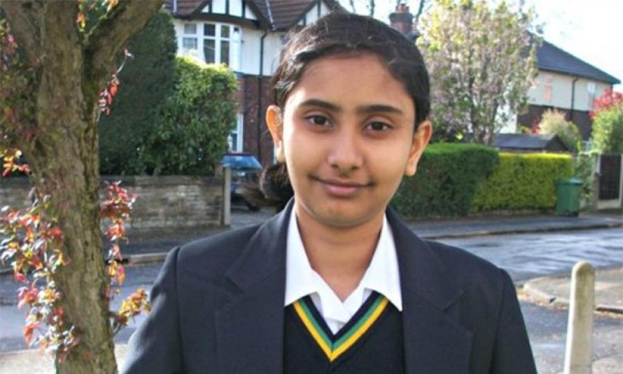 فتاة هندية  تفوقت على أينشتاين